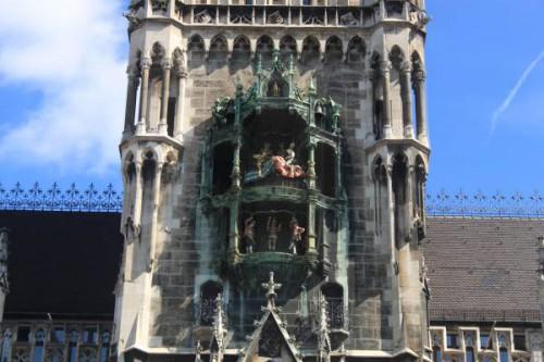 El carrillón del Ayuntamiento de Munich en Marienplatz