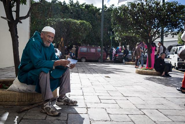 Una de las miradas más intensas y enigmáticas de mi visita a Casablanca. Después de la foto, nos sonreímos
