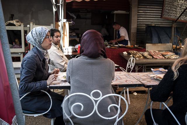 Comer en el Mercado Central de Casablanca
