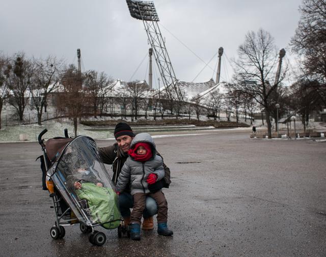 Con mis hijos en el Olympiapark de Múnich