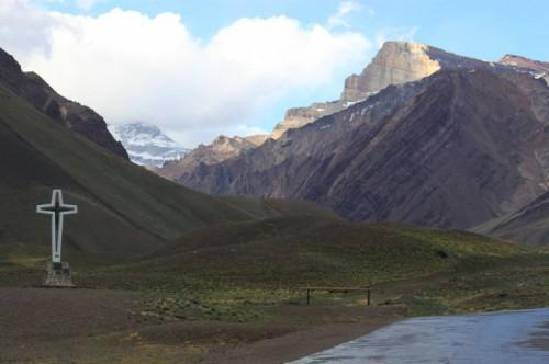 La entrada al Parque Nacional del Aconcagua de Argentina