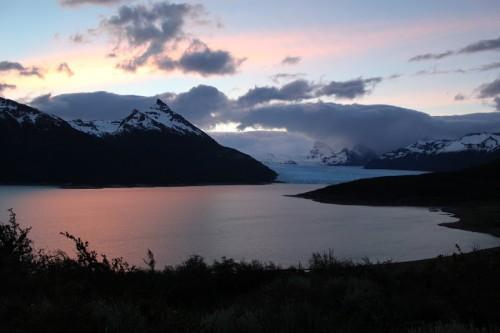 Puesta de sol con vistas al glaciar Perito Moreno