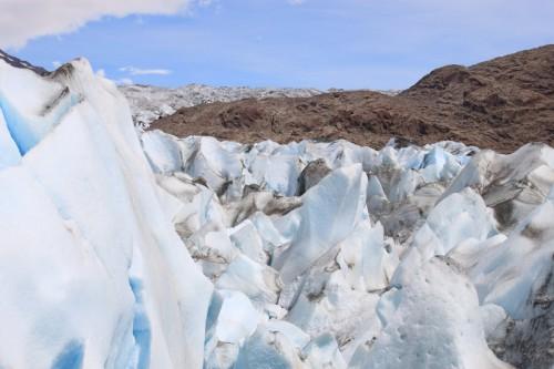 En pleno ice trekking por el glaciar de Viedma