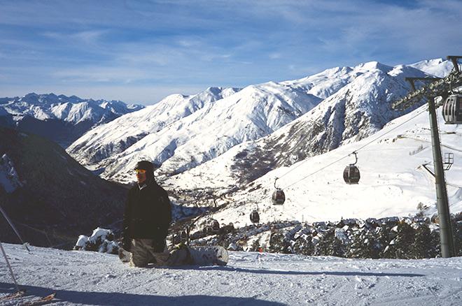 Contemplar la naturaleza nevada de los Pirineos