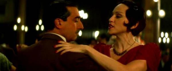 Luis Bocchia bailando tango con Madonna en la película Evita