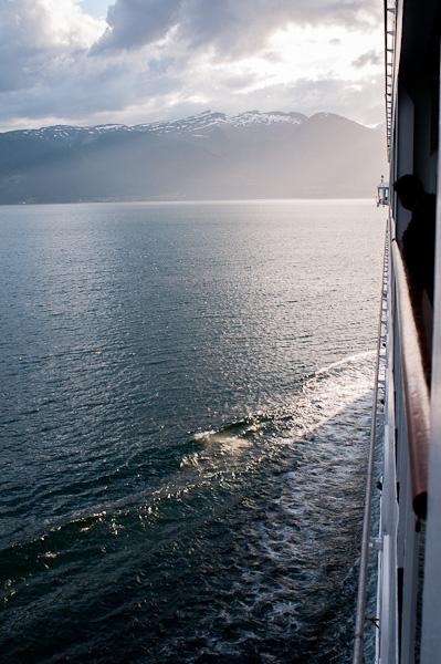 Primeras imágenes de los fiordos noruegos desde el mar.