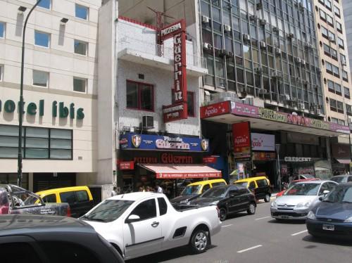 Edificio Pizzería Güerrin en Buenos Aires