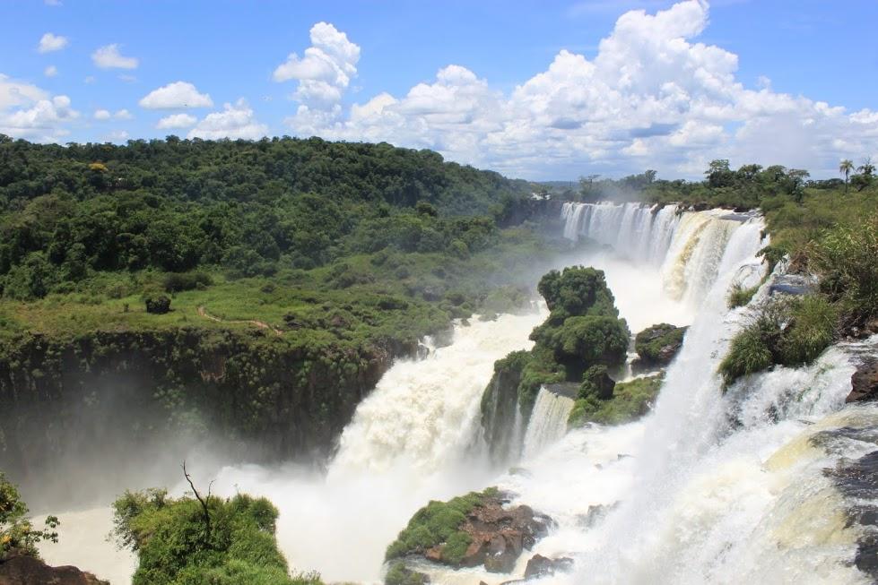 Vistas encima de las cataratas de Iguazú en Argentina