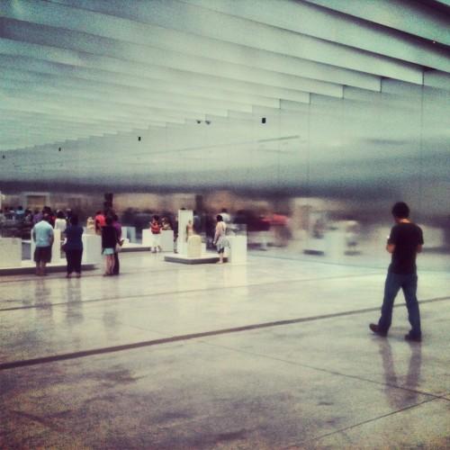 La Galería del Tiempo, sala principal del museo Louvre-Lens @3viajes