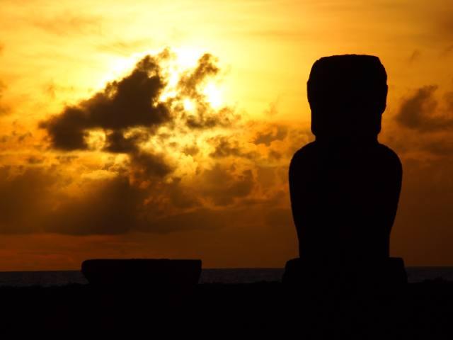 Puesta de sol en Rapa Nui - 2