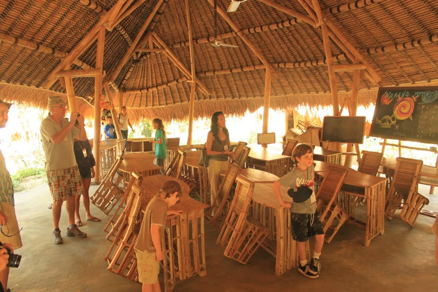 Visitando la clase de bambú de cuarto grado