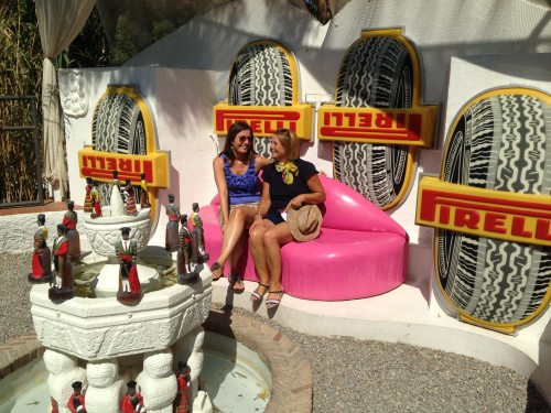 Con mi madre en la piscina de la Casa Museo Dalí Gala @3viajes