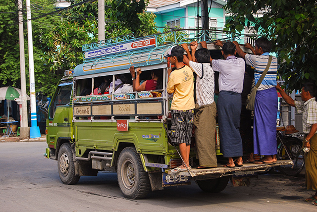 Autobuses en Mandalay
