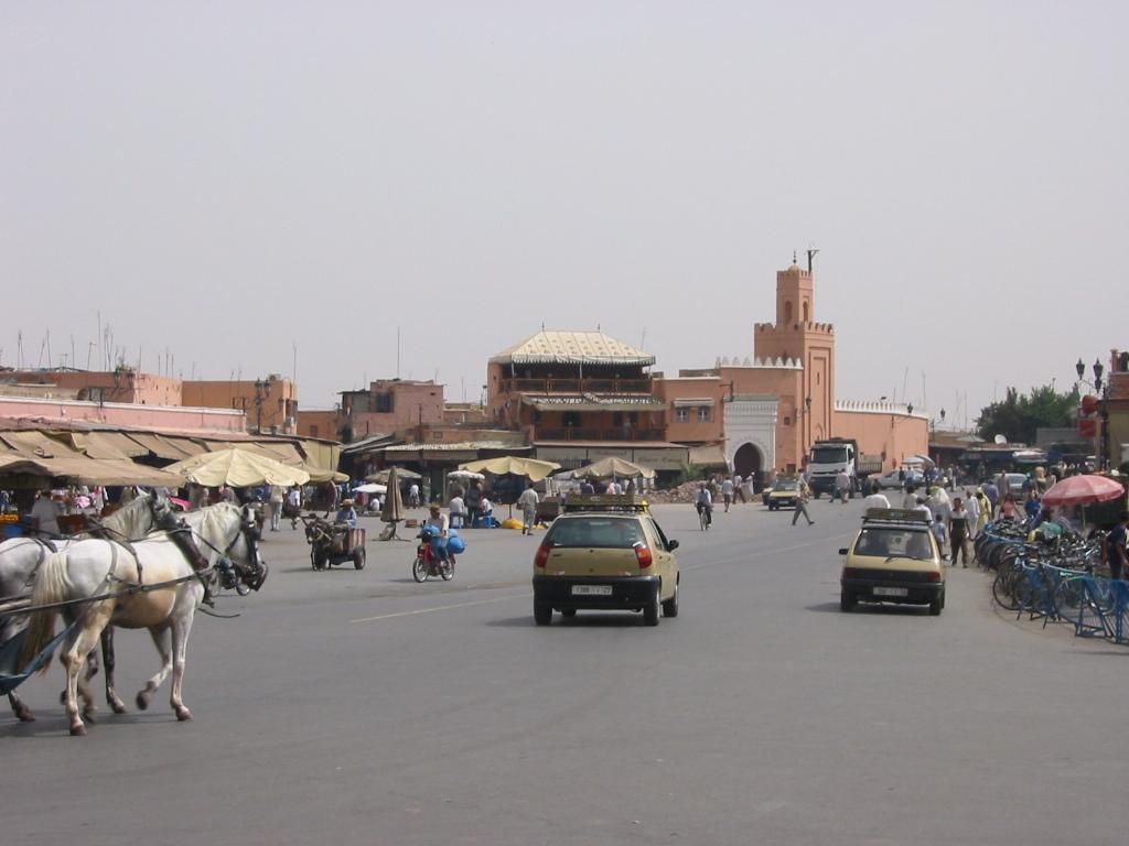 Taxis plaza Djema-el-Fna en Marrakech