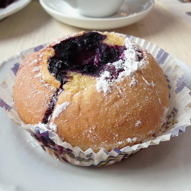 Johan's Café, buns