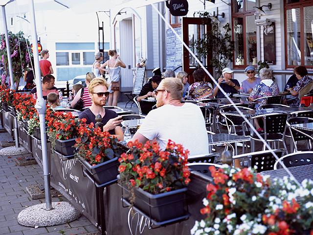 Suecos y terraceo en Borgholm