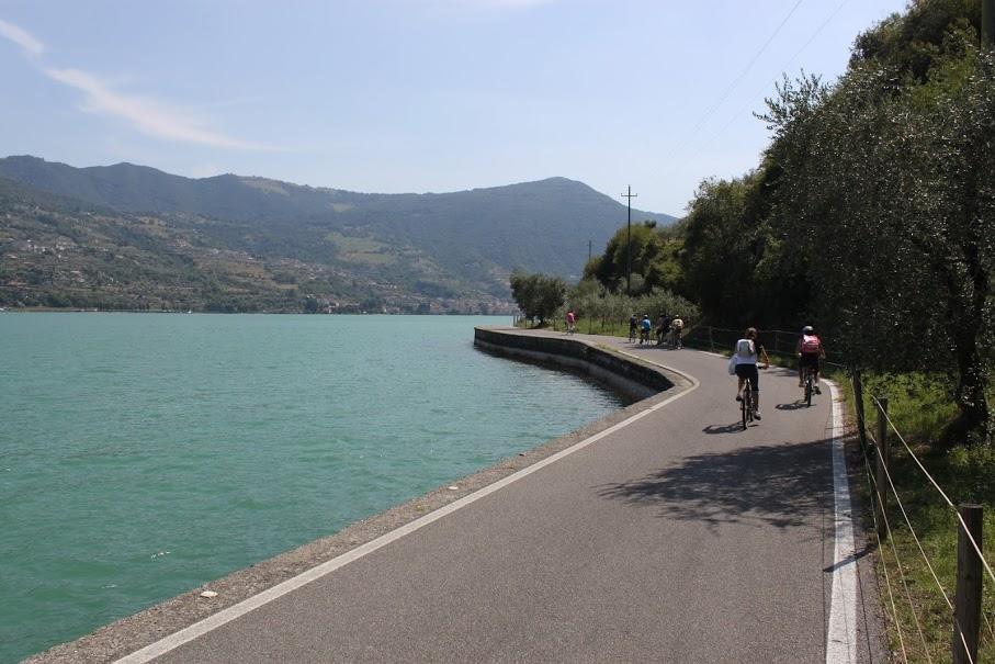Carreteras de la isla Monte Isola del Lago Iseo