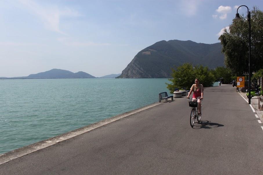 En bici por la isla Monte Isola del Lago Iseo