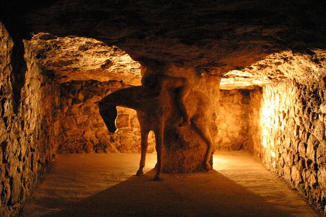 Cueva bajo el castillo de Buda, en Budapest