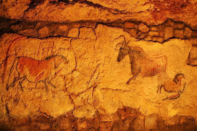 Pinturas rupestres, cueva bajo el castillo de Budapest