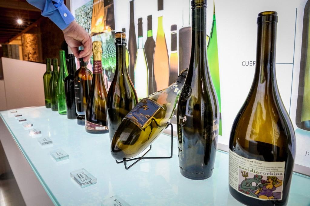 Museo Provincial del Vino - Botellas diferentes