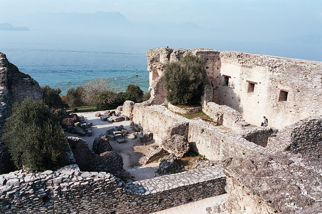 Restos de la terraza de la Grotte di Catullo, Sirmione