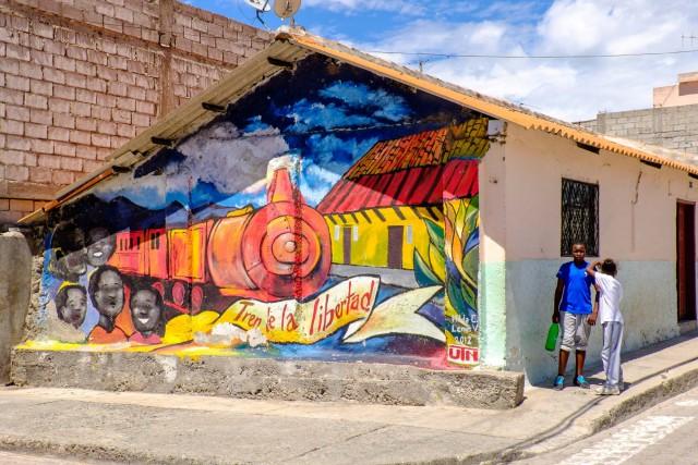 Ecuador Quito - Salinas graffiti