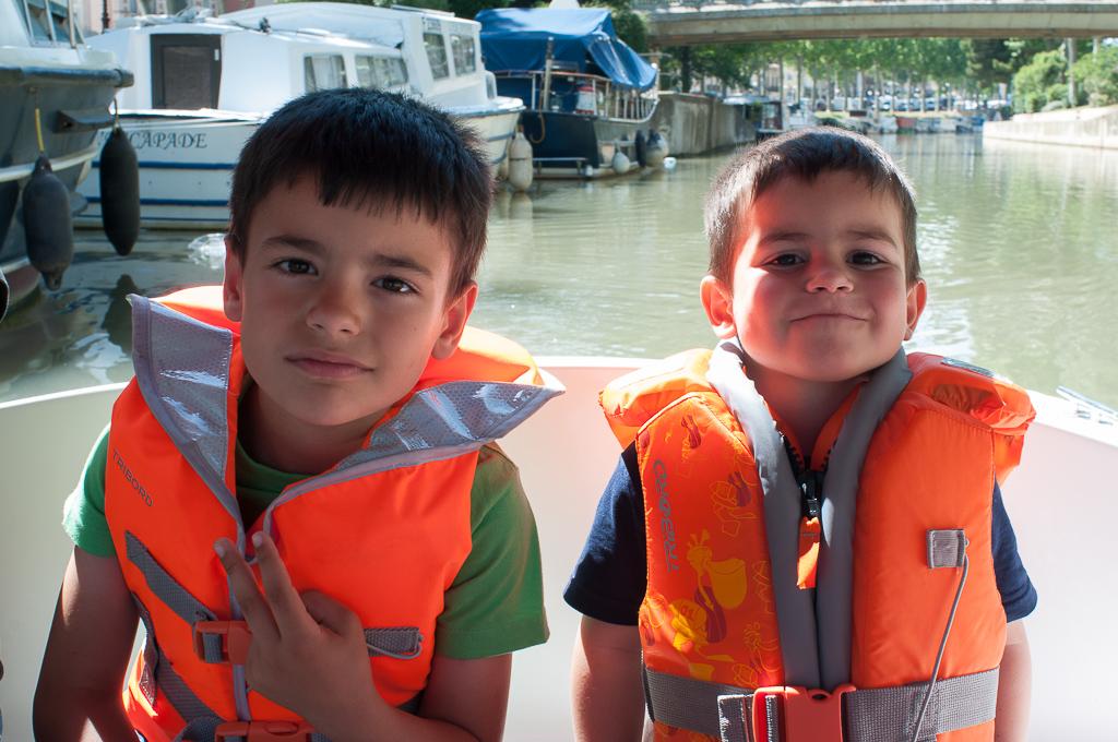 Navegando por el canal La Rabine de Narbona