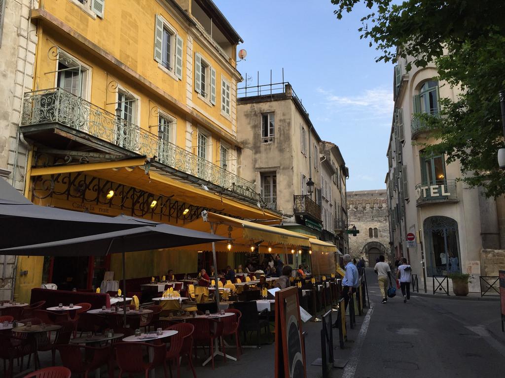 Arles, Place du Forum